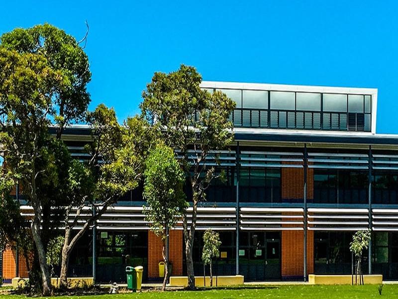 Halls Head Community College